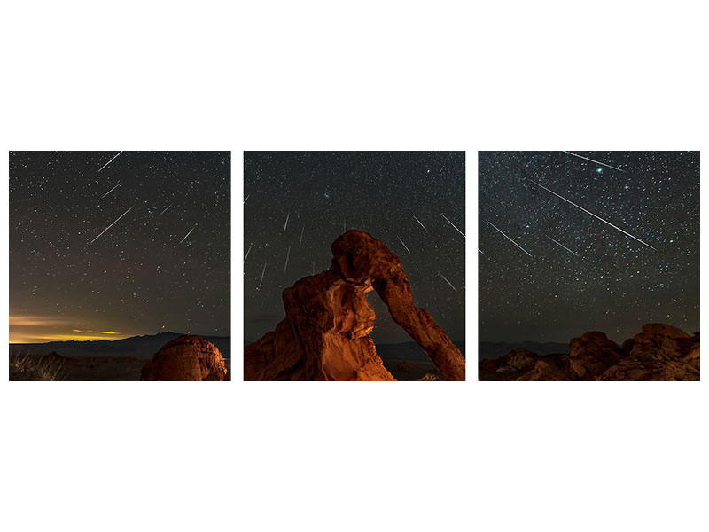 Tableau sur toile en 3 parties panoramique Geminid Meteor Shower Above The Elephant Rock